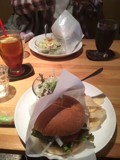 お昼にいただいた、和牛バーガー